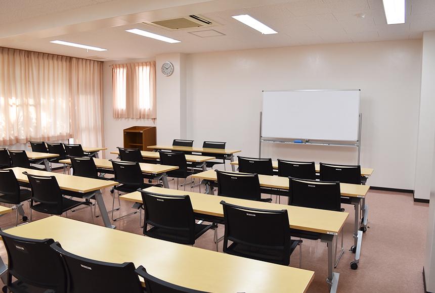 枚方市総合福祉センター : 第4会議室 : Image Gallery01
