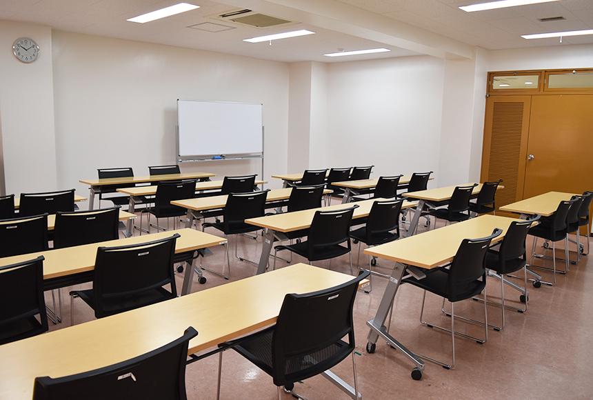 枚方市 総合福祉センター : 第4会議室