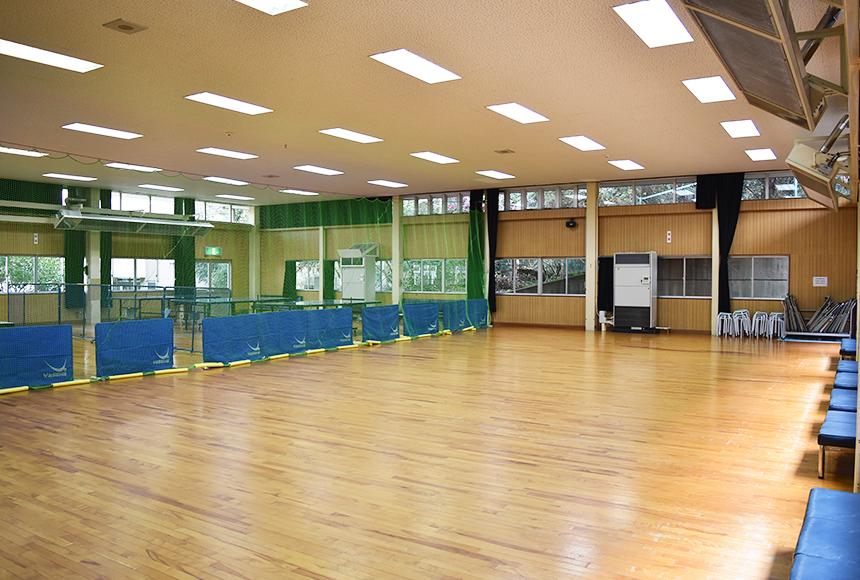 枚方市 総合福祉センター : 体育室